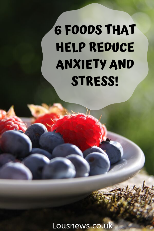 6 Foods that help reduce anxiety and stress! Anti anxiety food, foods that reduce anxiety. #anxiety #mentalhealth #depression #stress #BPD #bipolar