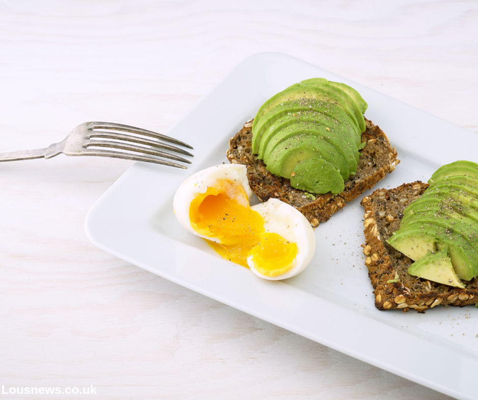 Natural ways to reduce anxiety, foods that help combat anxiety, anxiety reducing foods. Avocado help with anxiety.